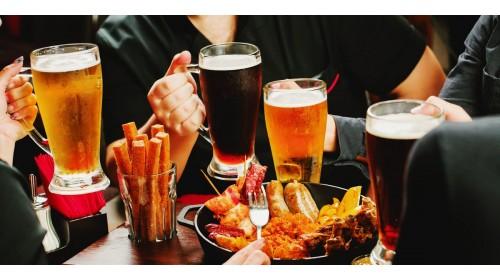 С чем пить пиво: еда, которая подчеркнет вкус пенного